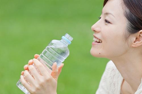 da đẹp, uống nước, đẹp online