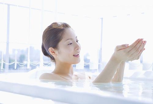 tắm với dầu ô liu, làm đẹp, kinh nghiệm hay, đẹp online