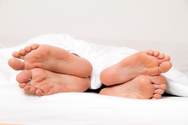 Làm thế nào hất được bạn gái xuống giường? - Tạp chí Đẹp