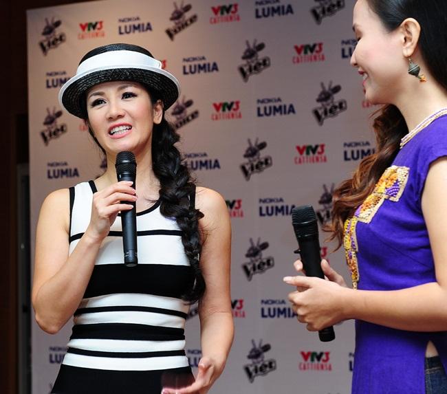 Diva Hồng Nhung không chỉ được người yêu thích Giọng hát Việt trông đợi mà còn khiến các tín đồ thời trang Việt háo hức bởi câu hỏi: chị sẽ trình diễn trang phục đẳng cấp nào trong đêm thi?
