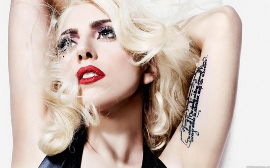 """Lady Gaga - Đằng sau """"cổ quái"""" - Tạp chí Đẹp"""