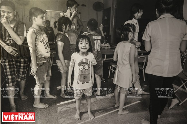 Hiểu thêm về trẻ tự kỷ qua ống kính của nhiếp ảnh gia nước ngoài