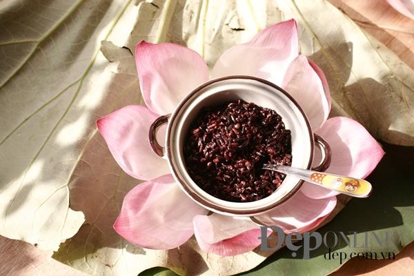 Rượu nếp (cơm rượu) là món không thể thiếu trong mâm cỗ tết Đoan Ngọ. Tháng  5 ...