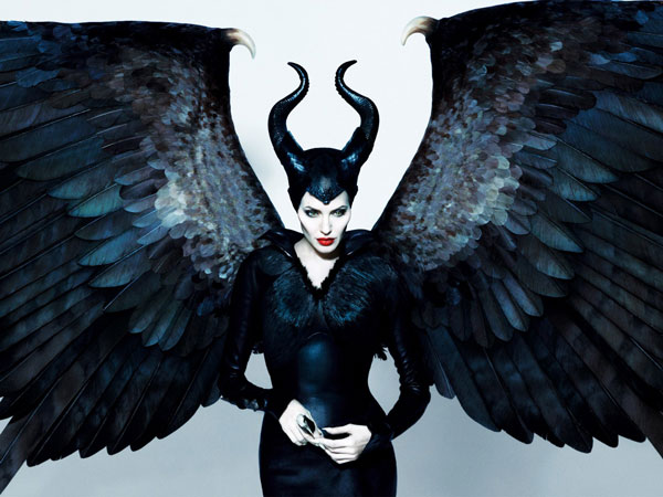 http://lunaswitchescloset.blogspot.com/2014/03/disneys-maleficent.html