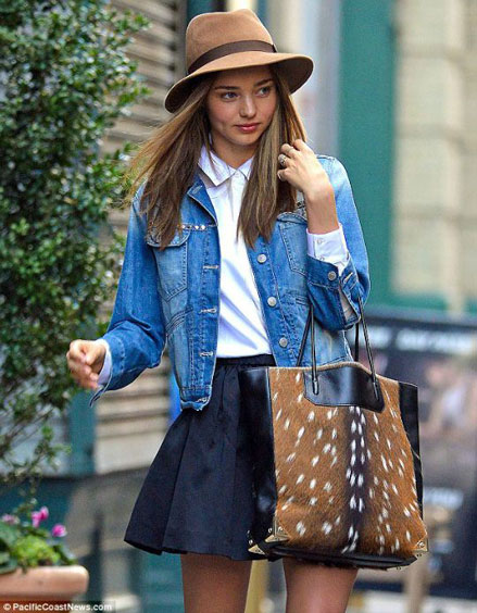 Miranda Kerr, denim jacket
