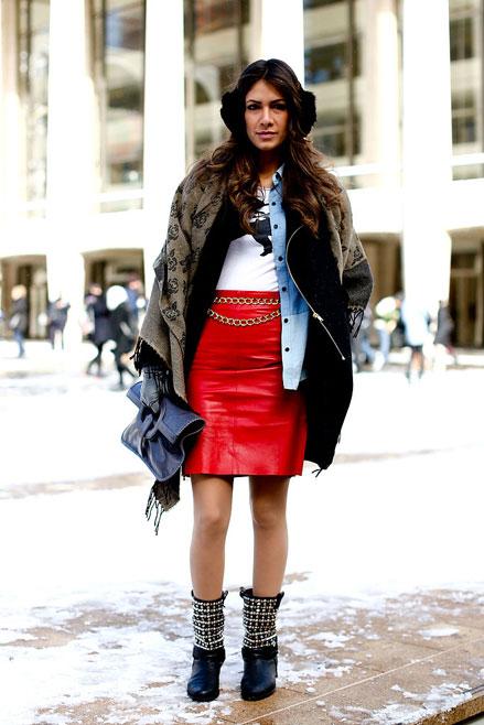 boot cổ ngắn, váy da, áo choàng dài, Streetstyle cho những ngày rét đậm