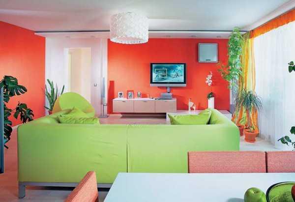 Nội thất phòng khách với màu sắc tương phản