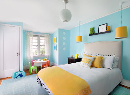 Phối màutam giác (vàng – xanh – đỏ) cho một phòng ngủ trẻ em