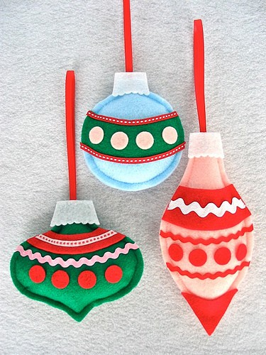 http://az24.vn/hoidap/cach-lam-do-trang-tri-giang-sinh-handmade-d2895822.html
