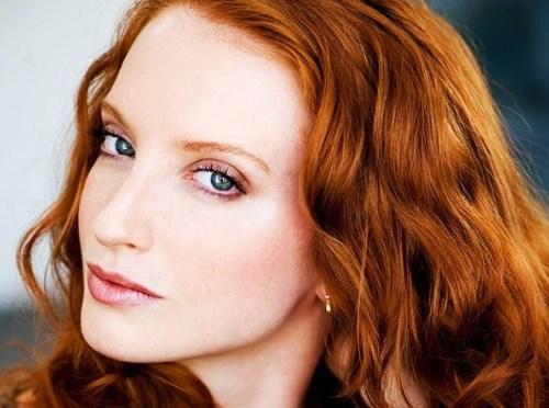 Trang điểm cho nàng nhuộm tóc đỏ - 1