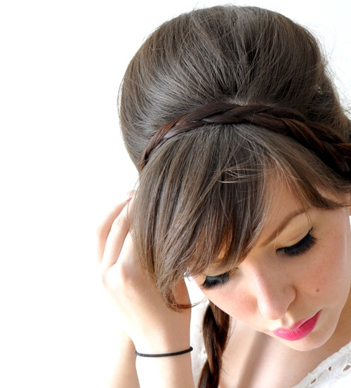 5957712493 9a28ee8aed b Những kiểu búi tóc đơn giản mà đẹp cho các bạn gái.
