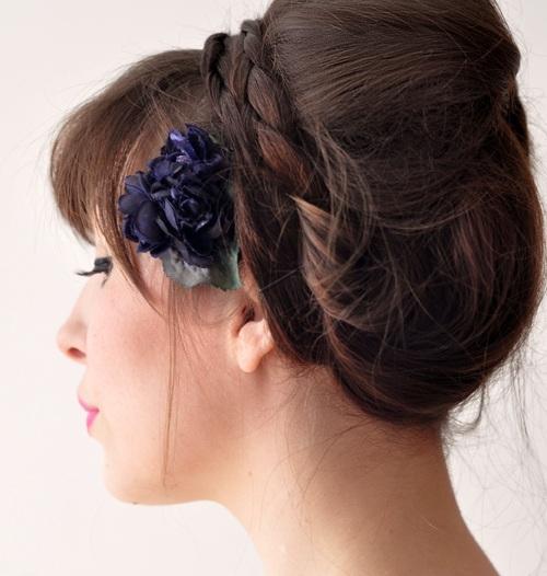 5957713347 6306402a53 b Những kiểu búi tóc đơn giản mà đẹp cho các bạn gái.