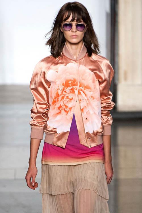 xu hướng thời trang, Xuân-Hè 2014,  xăng-đan đề liền,  ví cầm tay, túi xách,