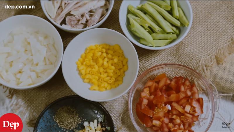 Soup nui gà rau củ – bữa sáng ngon miệng cho bé yêu