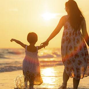 Mẹ luôn bên con, dù có thế nào!