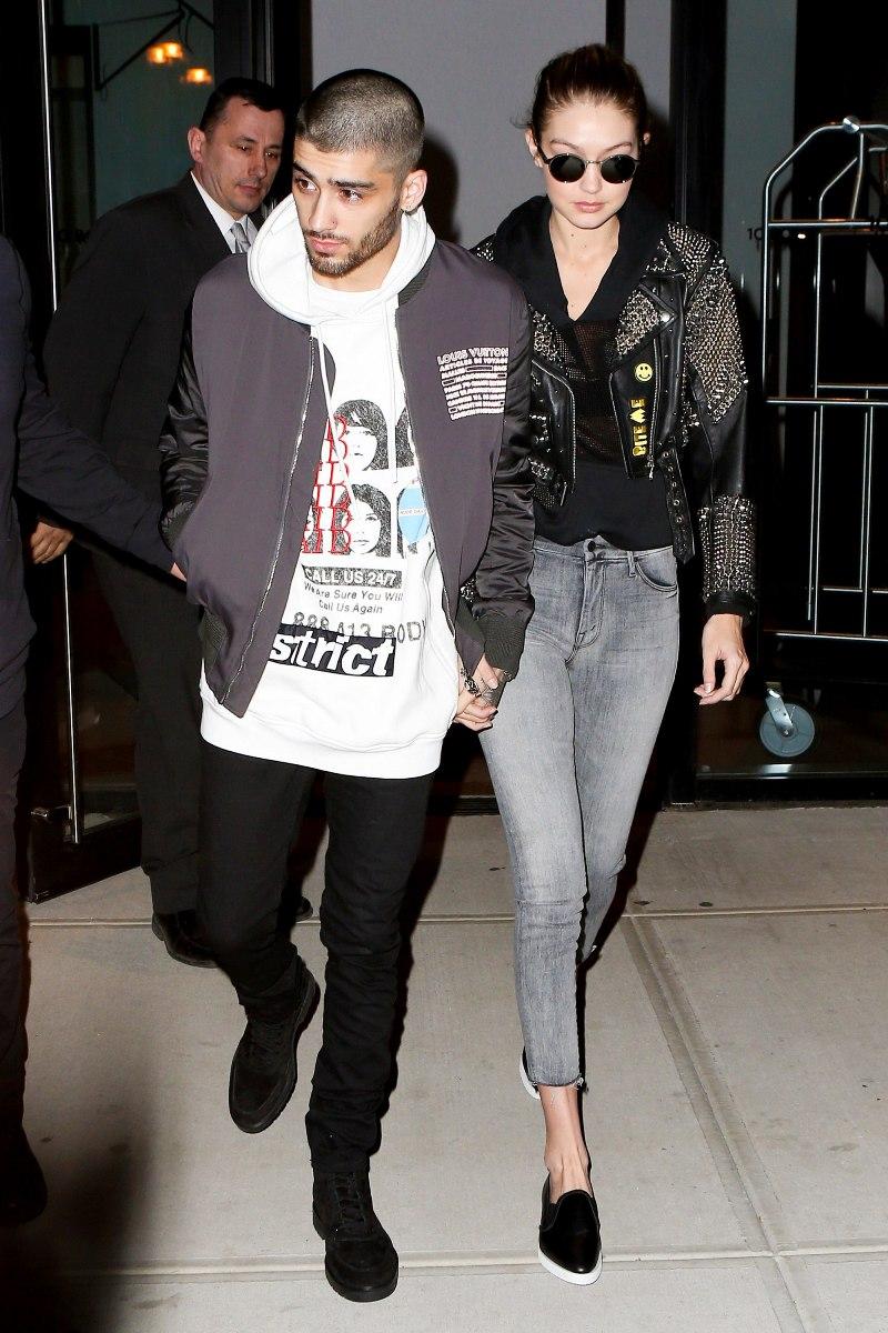 Trong khi Gigi Hadid lựa chọn quần jeans và áo khoác da đính đinh tán để làm bật cá tính hút hồn thì Zayn Malik sành điệu không kém với áo nỉ hoodie phối cùng áo bomber mạnh mẽ và khỏe khoắn