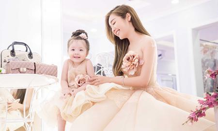 Ngắm vẻ thiên thần của Elly Trần và Cadie Mộc Trà trong trang phục công chúa