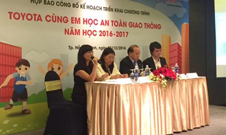 """Toyota Việt Nam công bố kế hoạch triển khai chương trình """"Toyota cùng em học ATGT"""""""