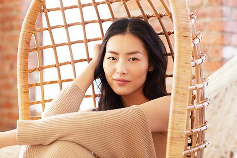 exclusive-liu-wen-models-3-stunning-beauty-looks-for-estee-lauder-1629999-1453410084-640x0c-copy