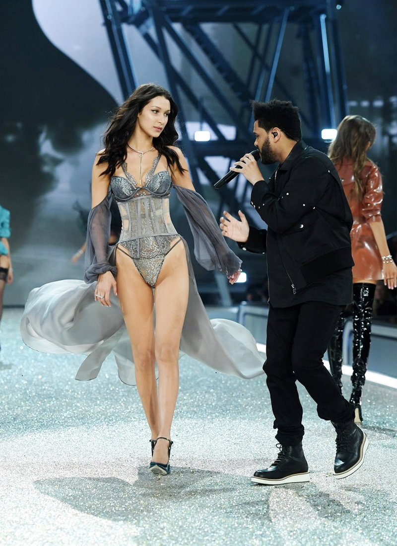 walks the runway during the 2016 Victoria's Secret Fashion Show on November 30, 2016 in Paris, France.