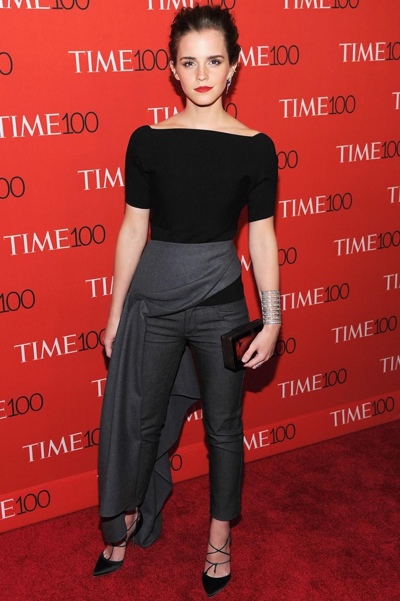 """Nhan sắc cuốn hút của nữ diễn viên 27 tuổi được lột tả hoàn hảo trong cả """"cây"""" trang phục thời thượng, đặc sắc từ nhà mốt Christian Dior"""