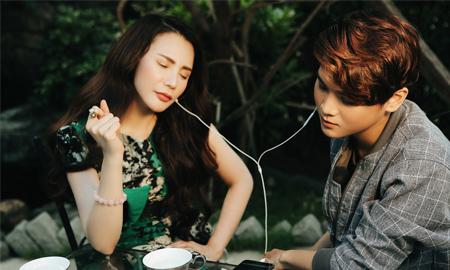 """Hồ Quỳnh Hương ra mắt MV """"Sống trọn hôm nay"""" cùng học trò Thái Ngân"""