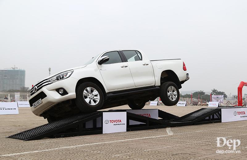 Trải nghiệm 3 mẫu xe IMV mới nhất của Toyota tại Hà Nội