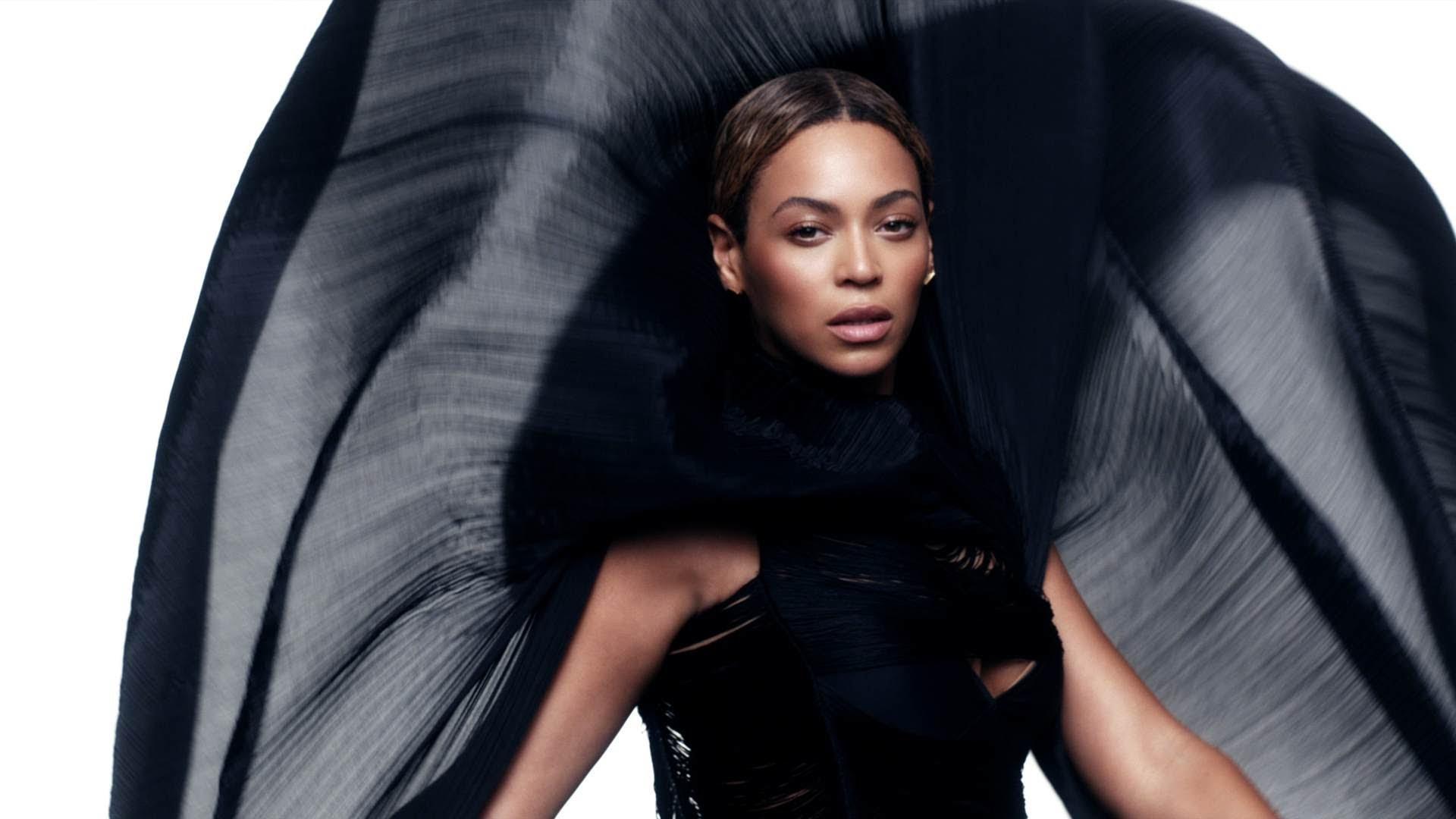 Những phát ngôn truyền cảm hứng của biểu tượng nữ quyền Beyoncé