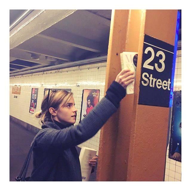 emma-watson-books-on-the-subway