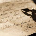 Ma lực của những lá tình viết thư tay