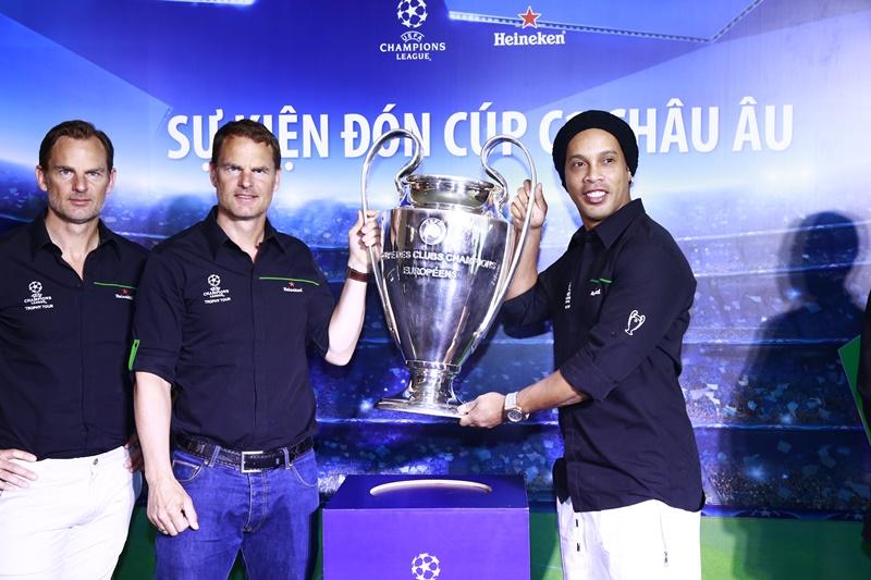 """Heineken tiếp tục thổi bùng tình yêu bóng đá với """"Hành trình cuồng nhiệt đón cúp UEFA Champions League"""""""