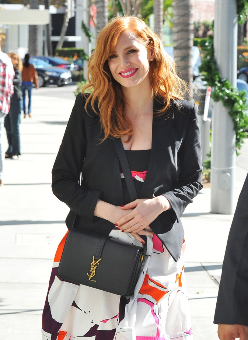 Jessica Chastain is out and about in Beverly Hills. Pictured: Jessica Chastain Ref: SPL892758 171114 Picture by: Splash News Splash News and Pictures Los Angeles:310-821-2666 New York: 212-619-2666 London: 870-934-2666 photodesk@splashnews.com
