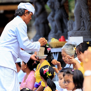 Xem bói, tắm nước thần, crafting,… và những điều chắc chắn phải làm khi du lịch đến Bali