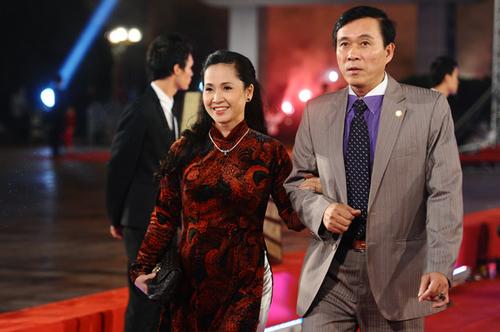 Hai vợ chồng nghệ sĩ Lan Hương - Đỗ Kỷ.