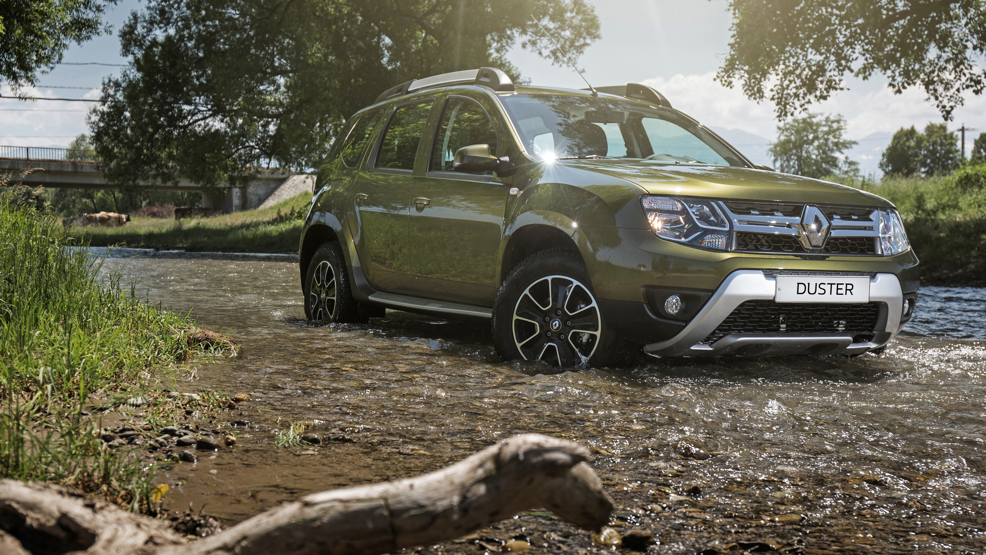 renault-duster-green-pack1-3840x2160-1