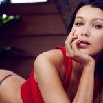 Bella Hadid: Vẫn rực rỡ sau cuộc tình tan vỡ