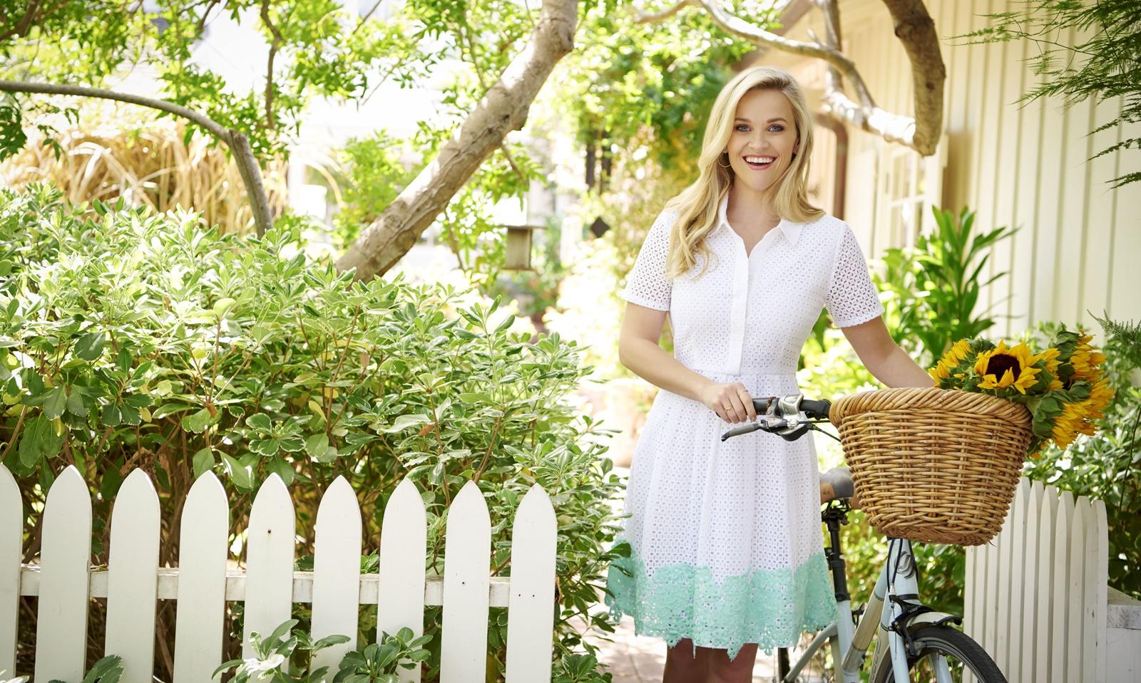 """Bí quyết trẻ như gái 20 của nàng """"luật sư tóc vàng hoe"""" Reese Witherspoon"""
