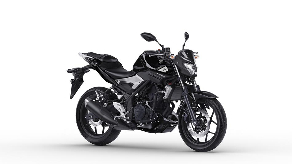 2016-yamaha-mt-03-eu-midnight-black-studio-001