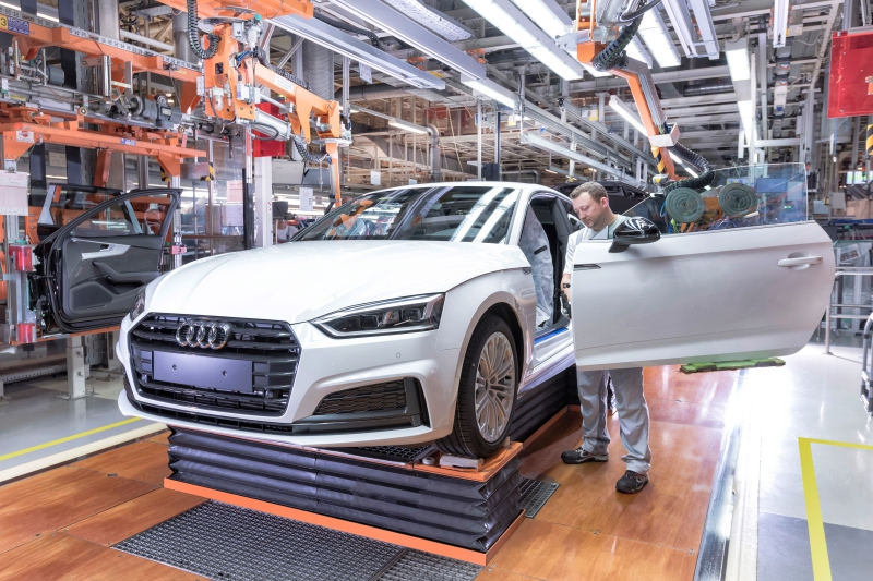 Audi Site Ingolstadt Production of the Audi A5 Coupé/Sportback: Assembly – Door preassembly