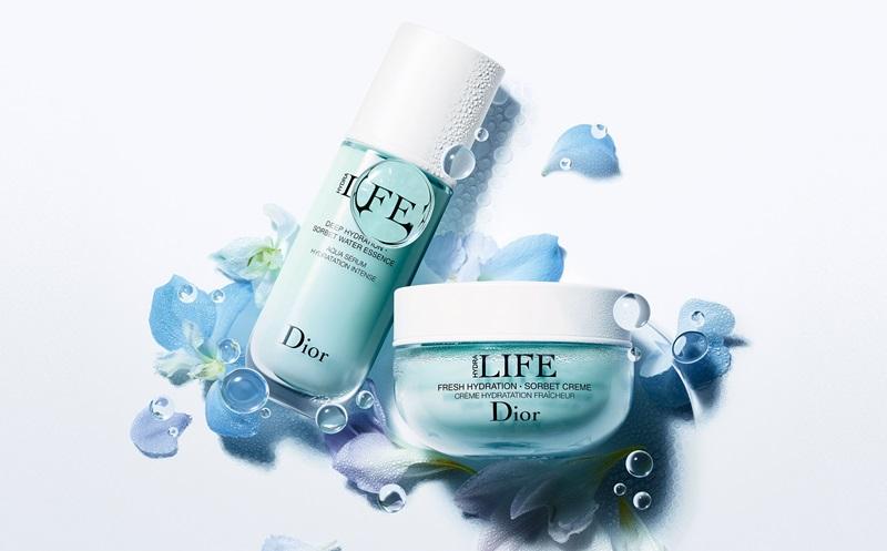 Bộ sản phẩm dưỡng ẩm Dior - Hydra Life giúp cấp nước liên tục trong vòng 24 giờ, giúp bề mặt da luôn căng mọng và tươi sáng