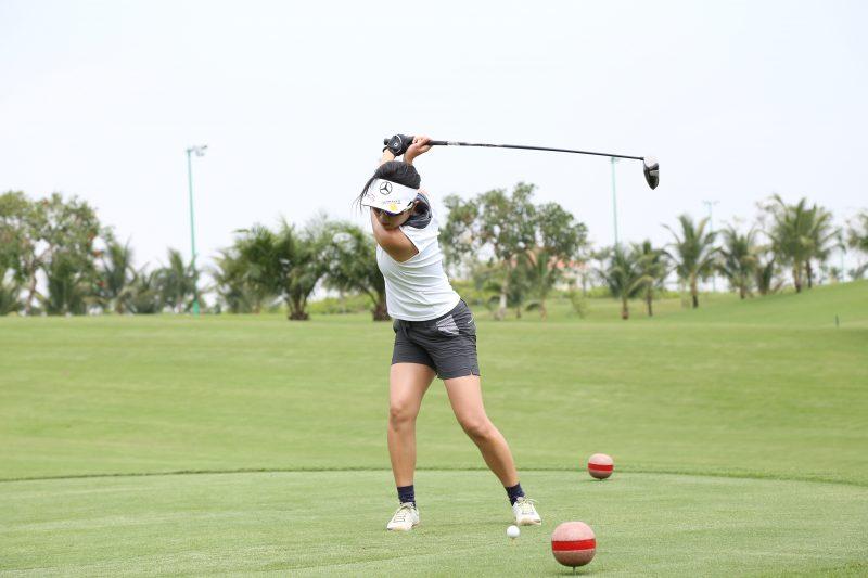 Mercedes-Benz tổ chức giải Golf cho khách hàng