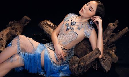 """Kỳ Duyên đẹp tựa """"nữ thần"""" trong loạt váy dạ hội đính lông vũ, pha lê"""