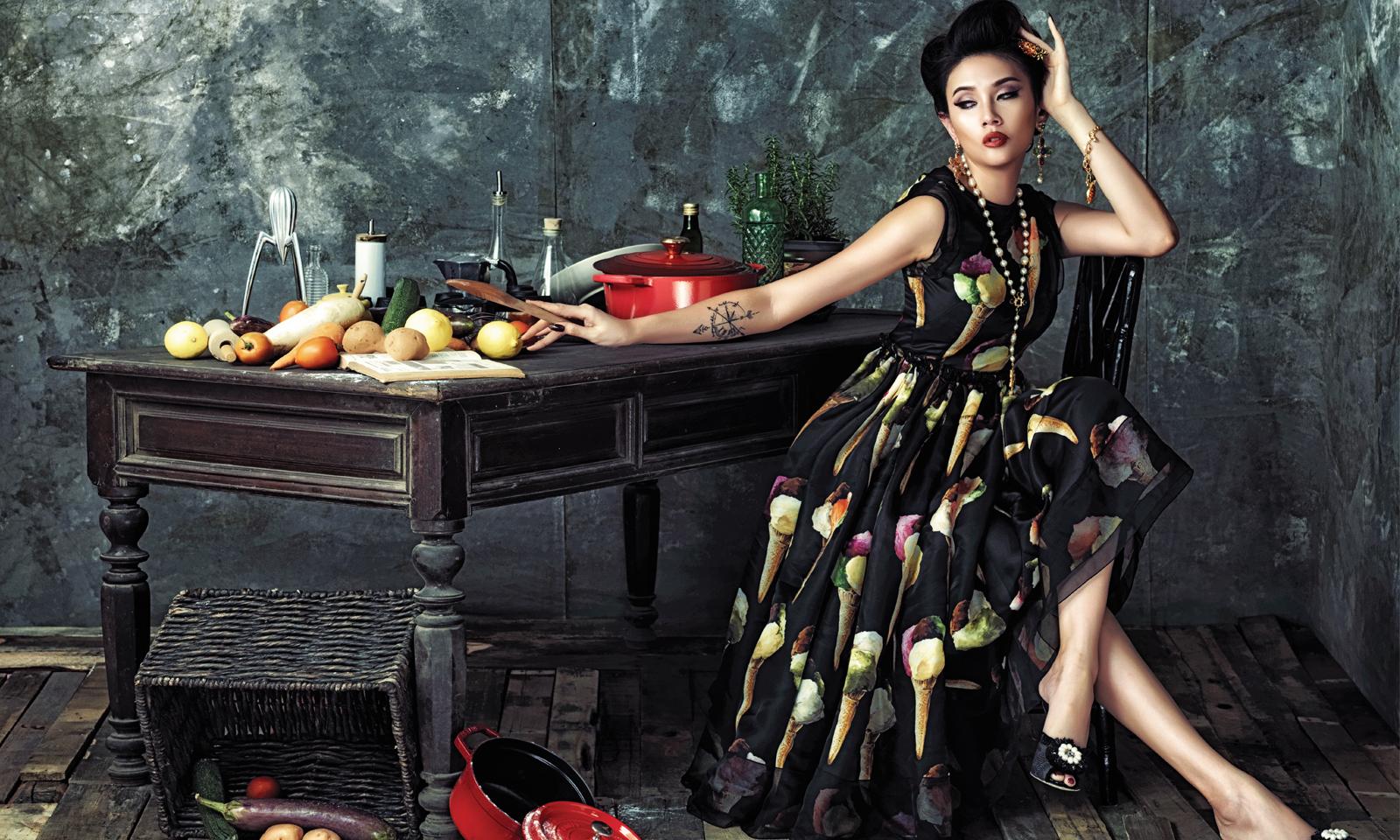 """Hoàng Yến """"hớp hồn"""" trong những thiết kế Xuân Hè 2017 của Dolce & Gabbana"""