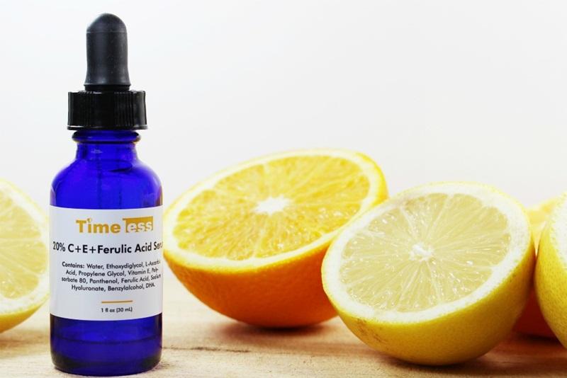 Timeless 20% Vitamin C + E Ferulic Acid: Serum chứa cả vitamin C và E giúp làm mờ các đốm nâu trên da, tăng sinh collagen, chống oxy hóa, giảm nếp nhăn.