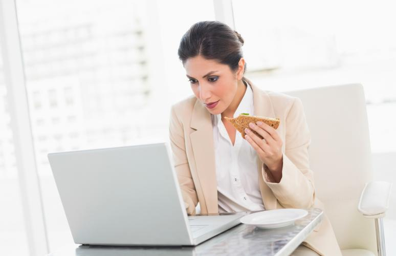 eating-while-working