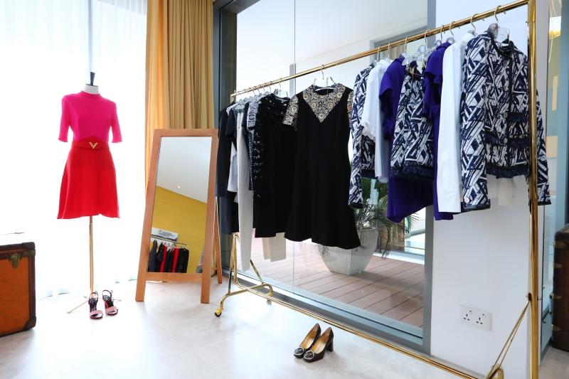 Những thiết kế trang phục mới nhất trong BST Chớm Thu 2017 của Louis Vuitton được sáng tạo bởi NTK Nicolas Ghesquière