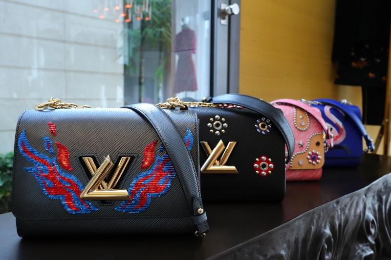 Túi xách Twist của Louis Vuitton có thể điều chỉnh quai túi linh hoạt
