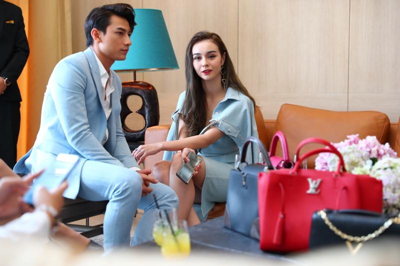 Isaac và M-Lee là hai trong số những vị khách mời đặc biệt trong ngày đầu tiên mở cửa Louis Vuitton Saigon House