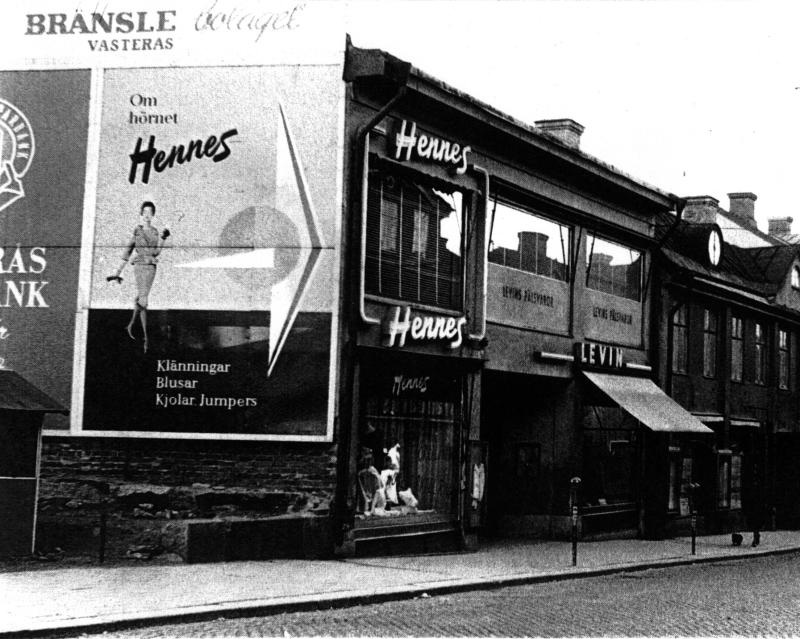 Cửa hàng H&M đầu tiên tại Thụy Điển mở cửa năm 1947