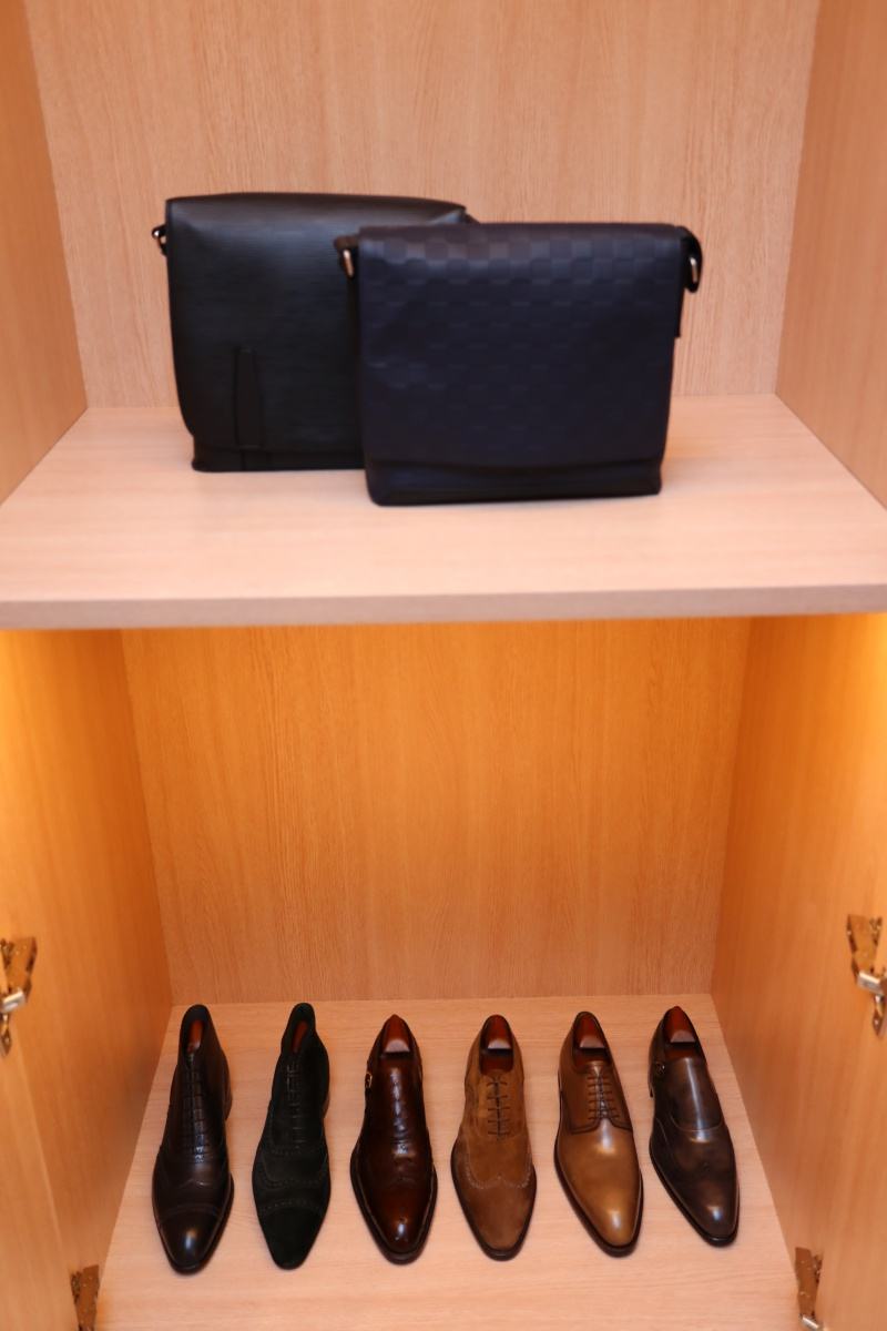 """Những mẫu giày sang trọng dành cho nam giới đi cùng với dịch vụ """"đo ni đóng giày"""" (Made-to-Order) cho từng khách hàng"""